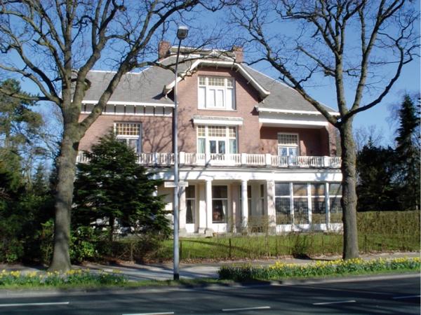Mr. H. Enschedeweg 15