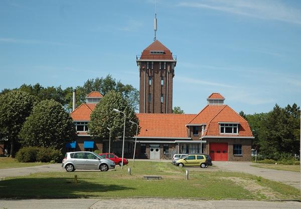 Rijksstraatweg 113 economiegebouw