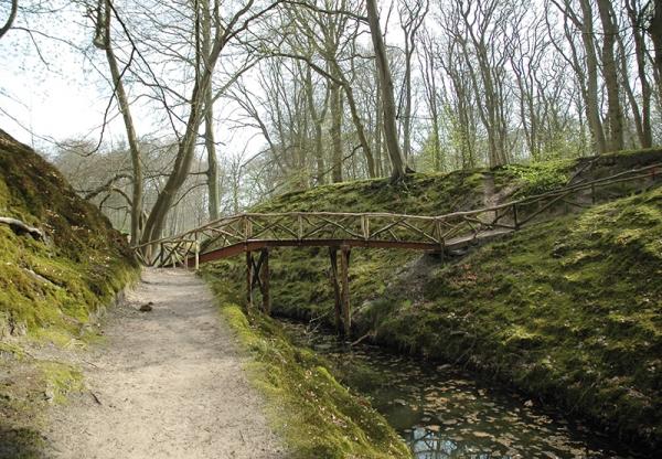 Elswoutslaan bij 22 Kleine Zwitserse brug
