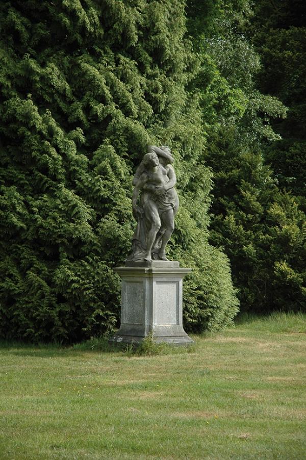 Bekslaan 14 nabij tuinbeeld